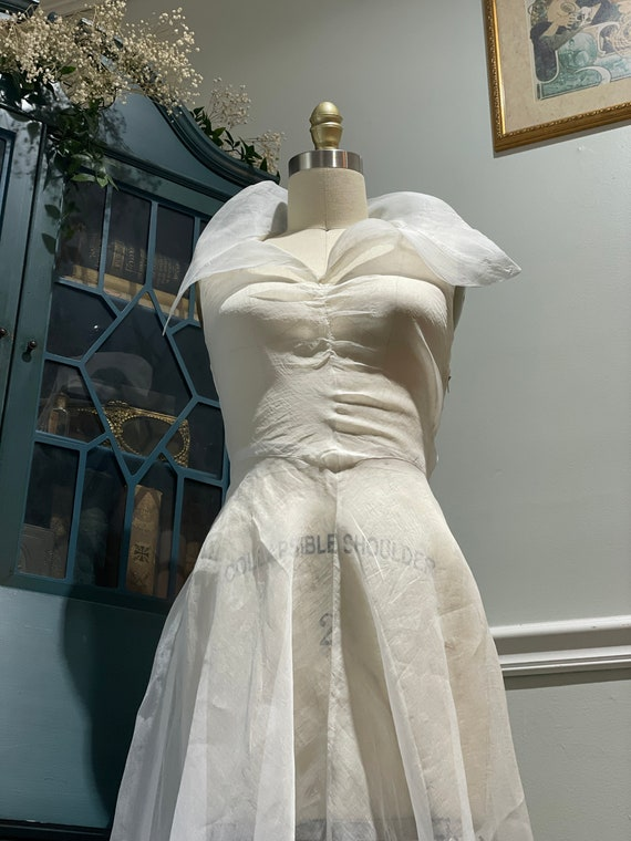 Late 30s Early 40's White Organdy Bias Cut Dress - image 9