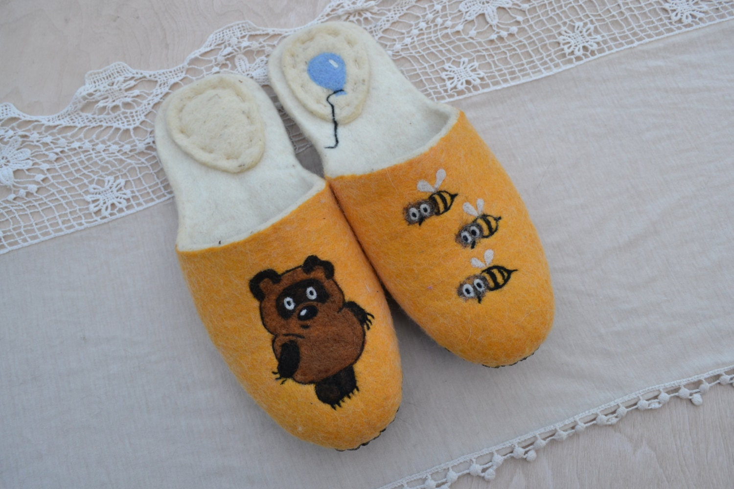 Slippers Winnie the handmade Pooh Felted slippers Ecofriendly handmade the felt shoes for home Christmas gift, russian Winnie Pooh felt snikers warm wool 957367