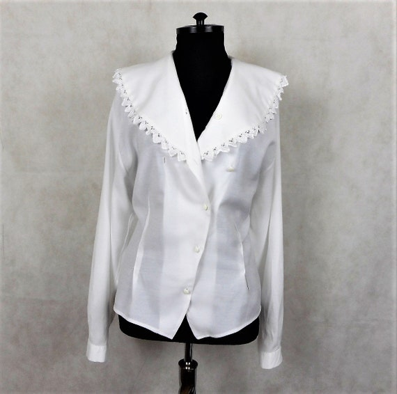 Vintage Romantic White Blouse, Large Lace Collar V
