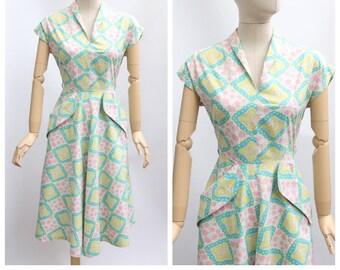 a82b158575f2af Vintage 1940 es Kleid Vintage 1940 es Baumwollkleid Original 1940 es Tag  Kleid vierziger Kleid 40er Jahre Provaeare-Kleid original Flora Kleid UK  8-10