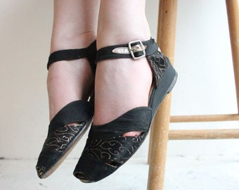 Vintage 1940's Sandals vintage 1940's black silk sandals lamé shoes original 1940's  CC41 ration peep toe sandals ww2 land girl UK 4./55