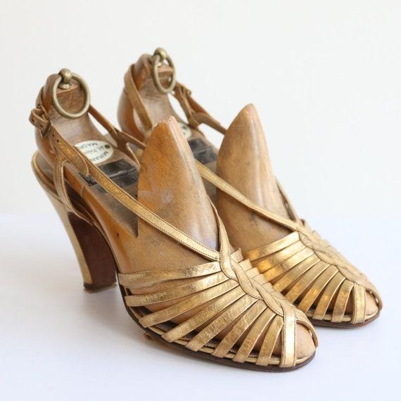 Vintage 1930's Gold heels original 1930's gold sa… - image 3