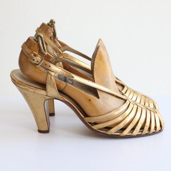 Vintage 1930's Gold heels original 1930's gold sa… - image 4