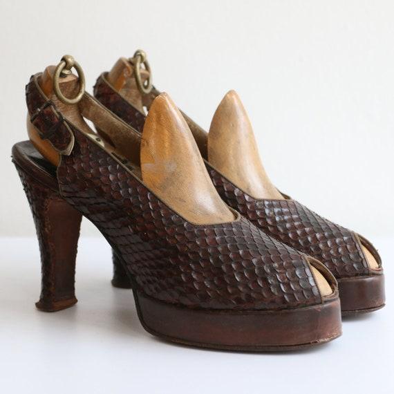 Vintage 1940's platform heels vintage 1940's sling