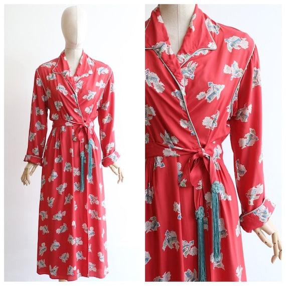 Vintage 1940's housecoat original 1940's coral pin
