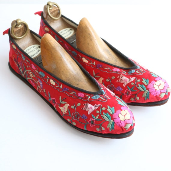 Vintage 1930's slippers vintage 1930's silk embroi