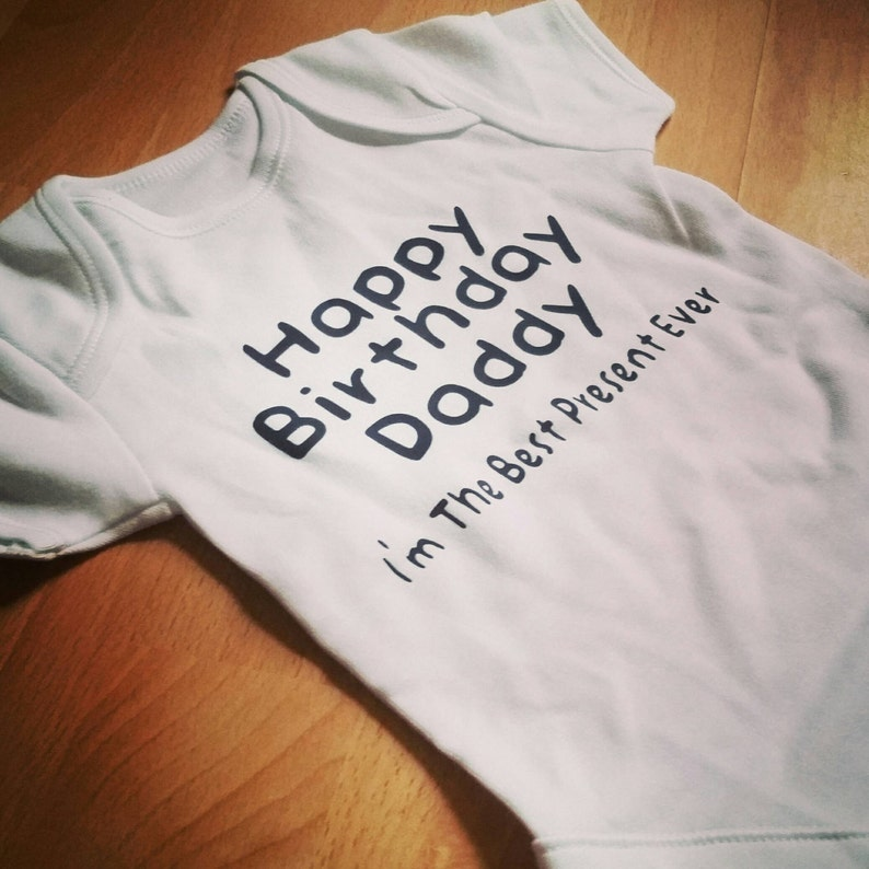 Feliz cumpleaños papá nuevo Body de bebé mejor presente  6149078e2a6