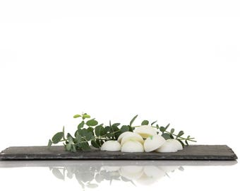 Pellets of soya, eucalyptus fragrance