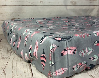 Changing pad cover / change table cover in white with pink feathers gold feathers for curved or flat mat