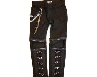 Schwarze jeans mit löchern