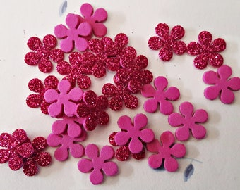 Crumpled rubber flowers creped. About 15 mm. Various colors available