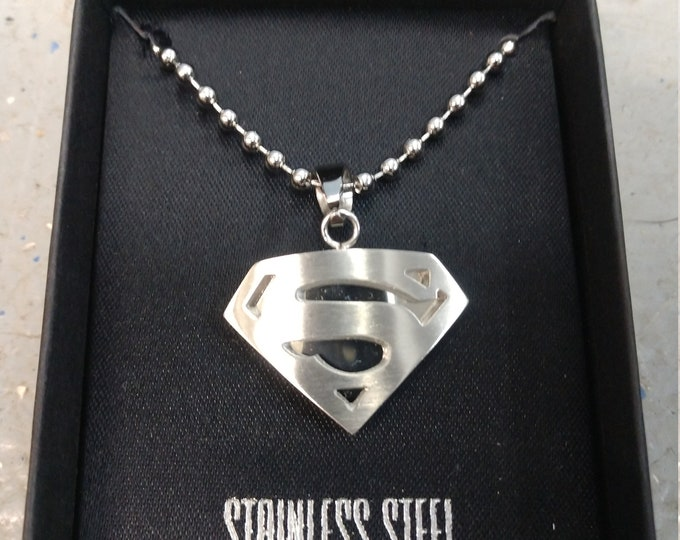 Officially licensed Superman necklace brand new in box