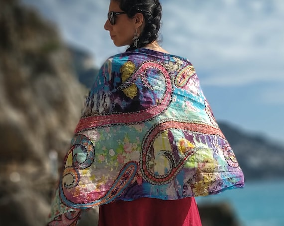 Hand Embroidered wool scarf, with amazing colors. Beautiful and warm
