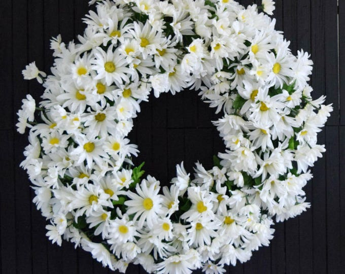 White Daisy Spring and Summer Front Door Wreath