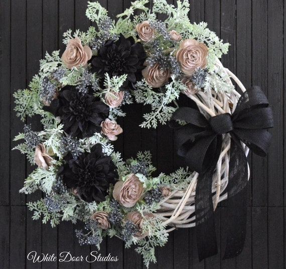 Glamorous Modern Black and Tan Floral Wreath