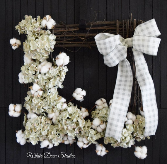 Farmhouse Cotton and Hydrangea Wood Frame Wall Decor