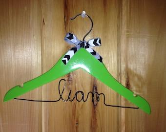 Child-Sized Personalized Hanger, Children's Hanger, Baby Hanger, Flower Girl Hanger, Birthday gift, Child Hanger, Small Hanger with bow