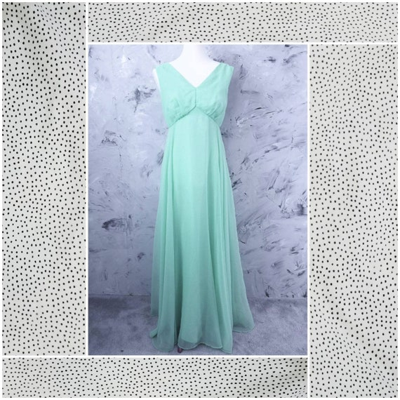 Gown - VINTAGE 70's Mint Green Chiffon Evening Gow
