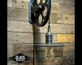 Pulley Wall light - Pulley with Train Station Light