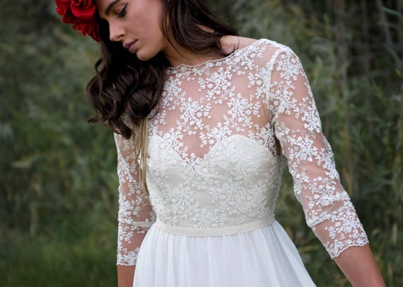 The May Gown | Bohemian wedding dress| Low back | Beautiful lace | sample