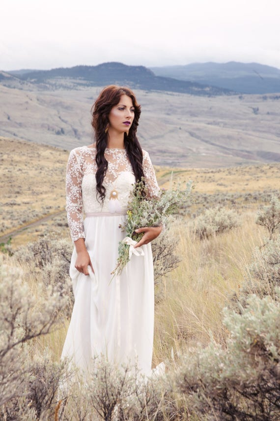 SAMPLE SALE | The May Gown | Bohemian wedding dress| Low back | Beautiful  lace | Modern Bridal