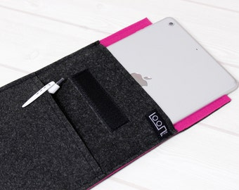 Felt ebook case, Kindle sleeve, iPad mini sleeve, hot pink sleeve, Kobo Aura sleeve, 8 inch tablet sleeve, grey felt iPad mini case