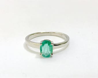 EMERALD RING ,Oval shape , May Birthstone ,Woman Jewelry , 925 Sterling Silver Ring , Emerald cut ,Fine Jewelry Gift