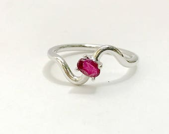 RUBY SILVER RING , sterling silver ruby ring ,ruby anniversary ring, red ruby rings, July birthstone,handmade jewelry, Ring size Us 6 3/4