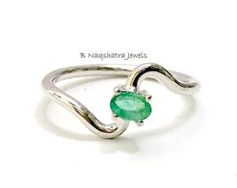 NATURAL EMERALD RING,oval shape Emerald Gemstone ,May birthstone,Silver emerald ring