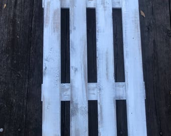 Picket Fence Farmhouse Wall Decor Large Wooden Vintage Wall Art Creamy White Distressed with Walnut Base