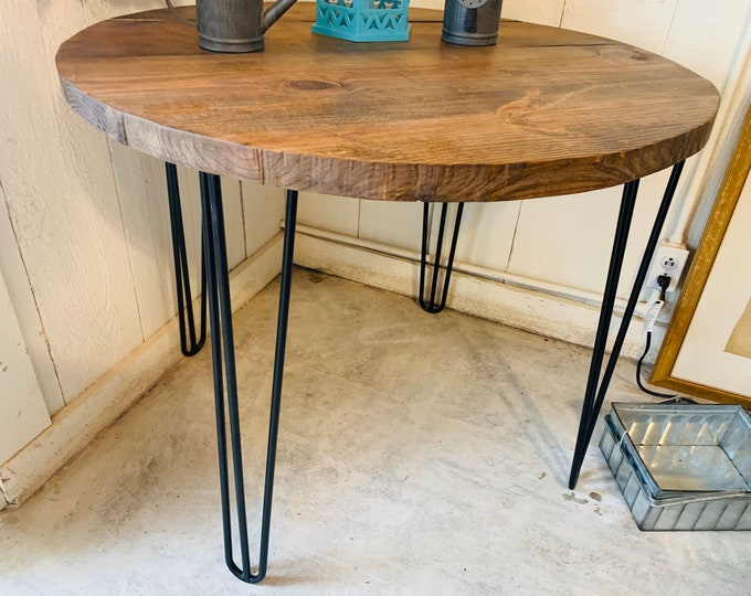 Small Farmhouse Nook Dining Table, Industrial Style, Provincial Brown Top and Black Hairpin Legs, Round Dining Table, Kitchen Table, Wooden