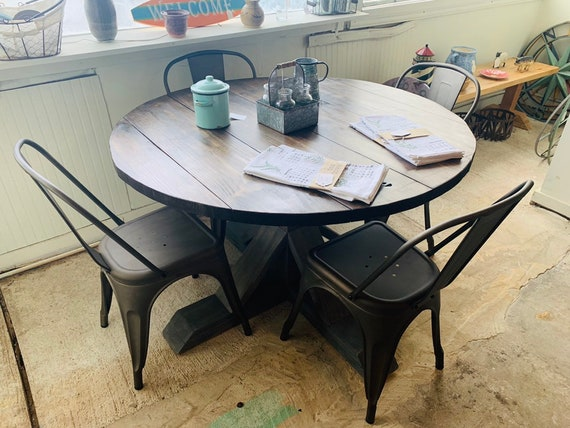 Round Rustic Farmhouse Table Set With, Round Farmhouse Kitchen Table Sets