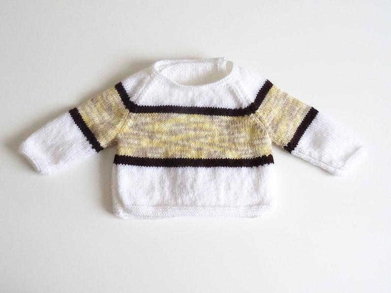 3629bb31558ee Pull bébé Brassière bébé rayée blanche marron et jaune