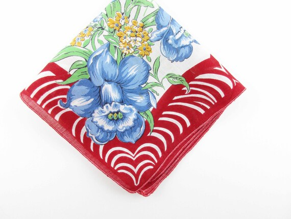 Giftwrap Soft Blue Scalloped Border Red Daffodils Wedding Gift White Pussy Willows Collect
