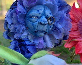 Alice in Wonderland Talking flowers Character Series BLUE CATERPILLAR Sutherland