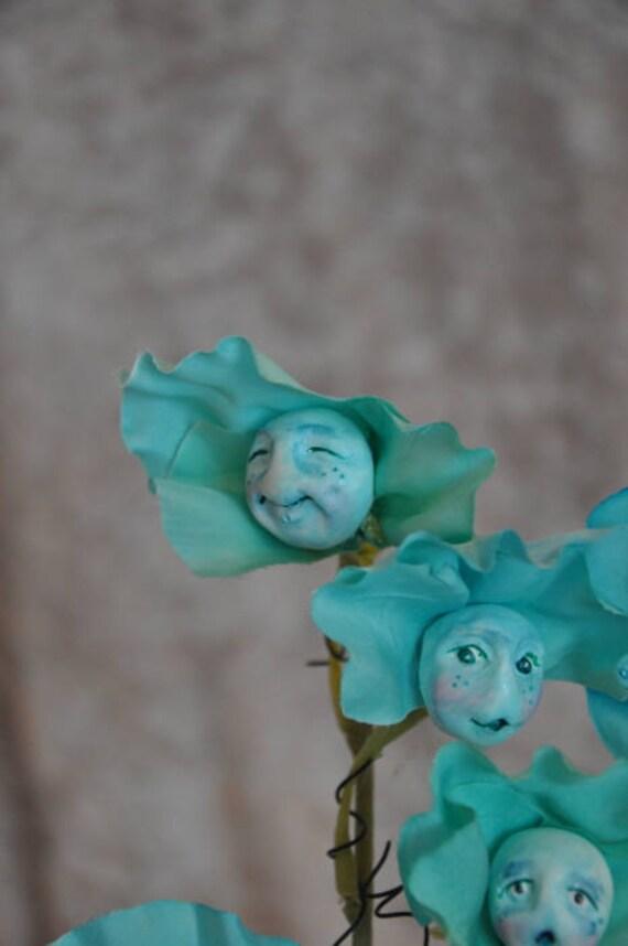"""ALICE IN WONDERLAND TALKING FLOWERS /""""BLUE SWEET PEAS/"""" BY SUTHERLAND"""