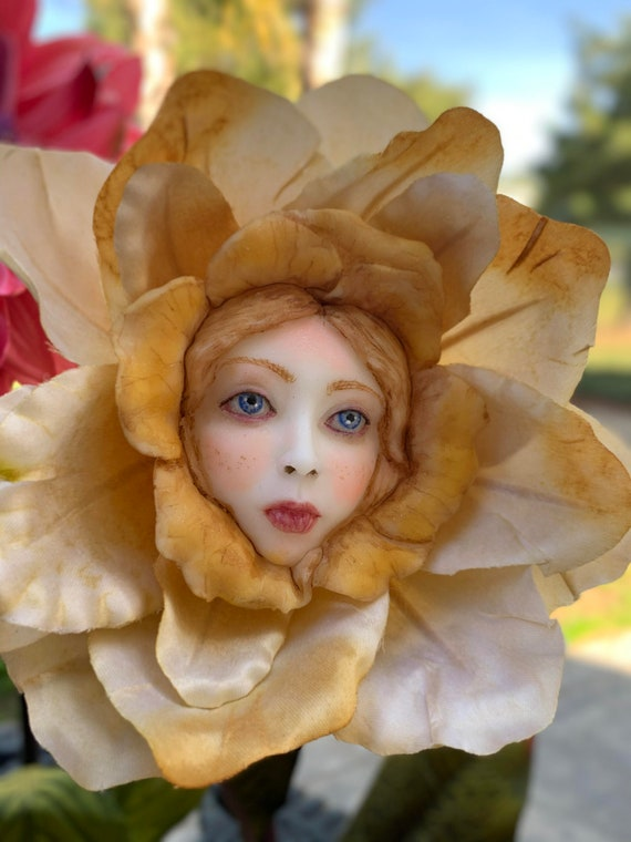 Alice in Wonderland Talking flowers Character Series RED QUEEN Sutherland