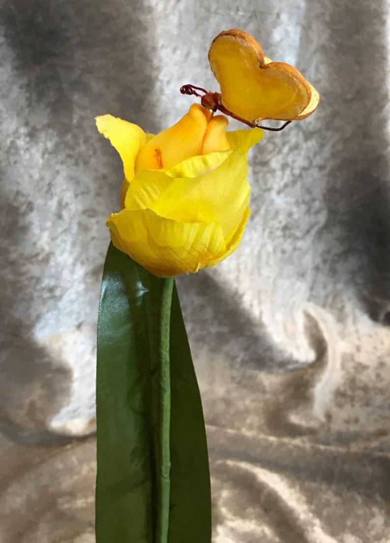 ALICE IN WONDERLAND FLOWERS BREAD /& BUTTERFLIES KISSING TULIPS PINK SUTHERLAND
