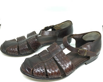 c1961c903c9c Vtg Eddie Bauer Women s 5.5 6 T-strap Shoes