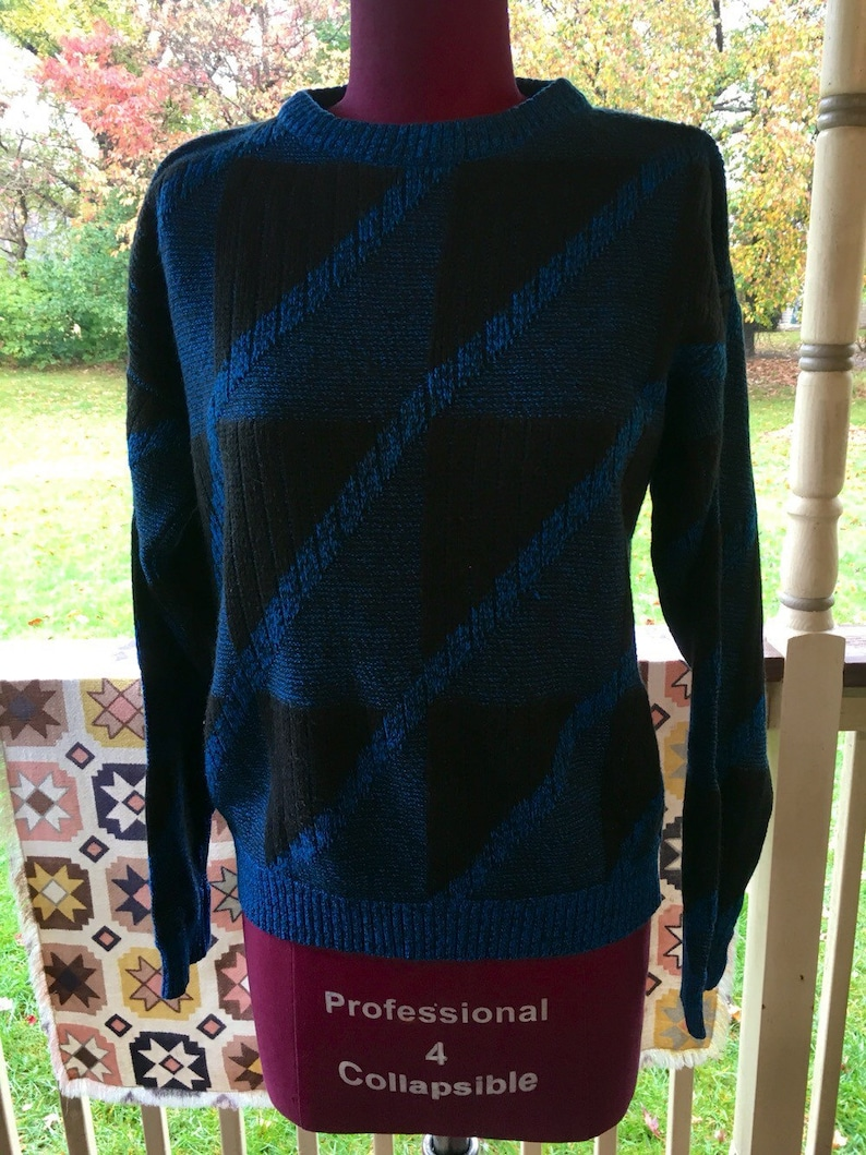 Vintage Women/'s S Sweater GEOMETRIC Shirt Shapes Blue Black Stretch Fitted