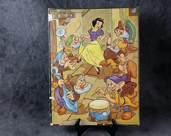 Puzzle - Vintage Walt Disney Snow White and the Seven Dwarfs Large Frame Tray Puzzle, 1950