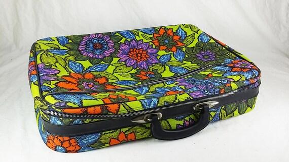 Large 1970s Flower Power Suitcase, Clean, Vintage