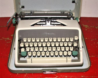 Olympia SM7 Deluxe Typewriter in Case, Made in W. Germany