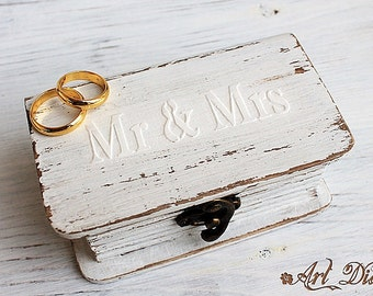 wedding ring box, ring bearer box, jewelry box, wooden jewelry box, ring box, mr and mrs ring box,personalized box, bright Aqua Blue Box