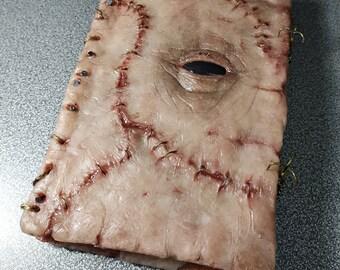 Book Diary File Cabinete Evil  Dead Necronomicón Lovecraft Eye Creepy Horror Gore Platino Silicone Human Skin