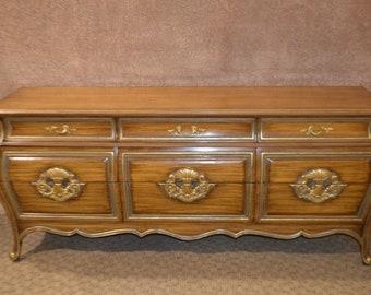 Large Vintage Bombeu0027 Eurpoean Style Nine Drawer Dresser W/Gold Highlights