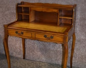 Vintage French Provincial Style Step Back Leather Top Ladies Writing Table Desk