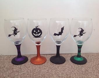 Halloween silhouette glitter wine glass
