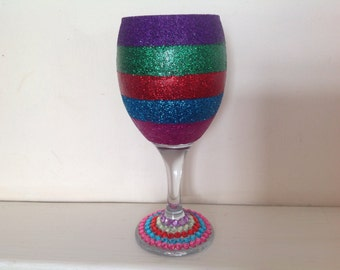 Rainbow glitter wine glass