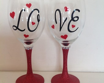 Love glitter wine glasses set of two - Valentine's Day, weddings, engagement